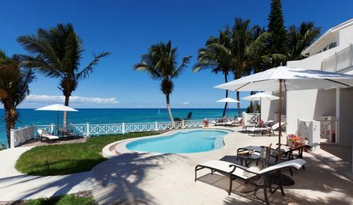 Pelican House pool